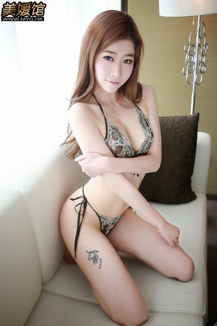 A cute china model show me her hole 3