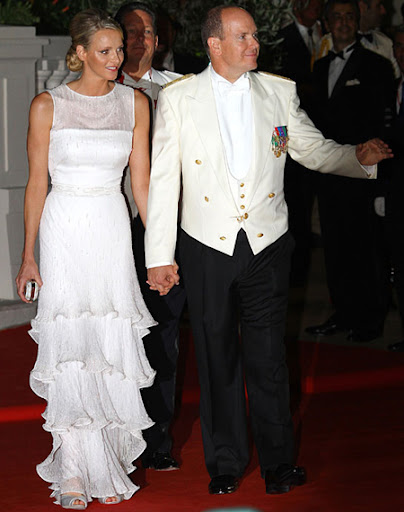 Князът и Княгинята на Монако на бала след сватбата