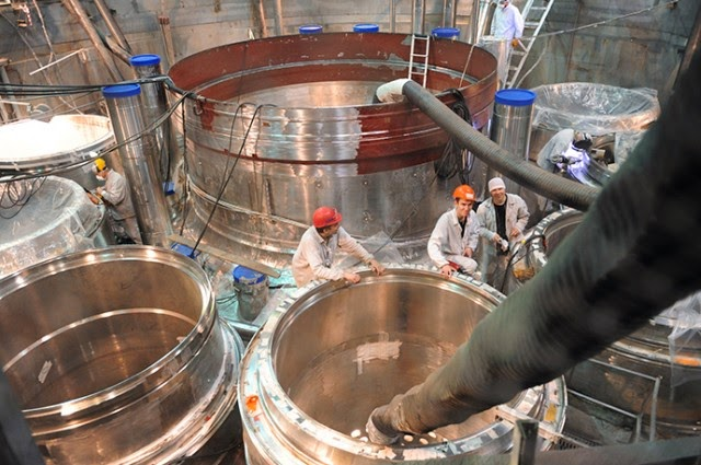 Russian fast breeder nuclear reactor, being assembled