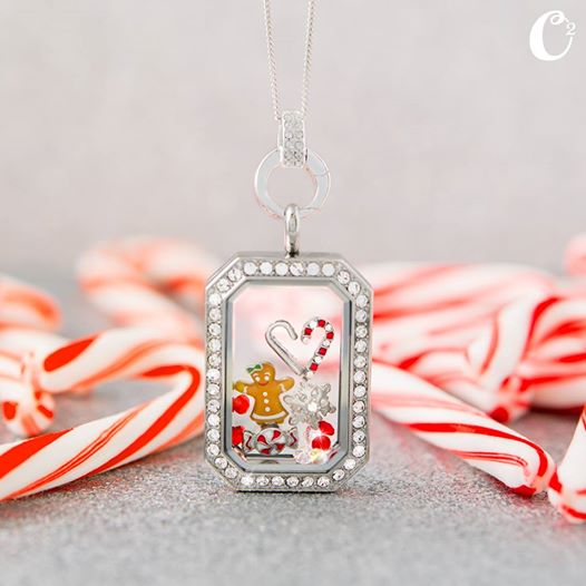Gingerbread Girl Origami Owl Heritage Christmas Locket | Create yours today at StoriedCharms.com