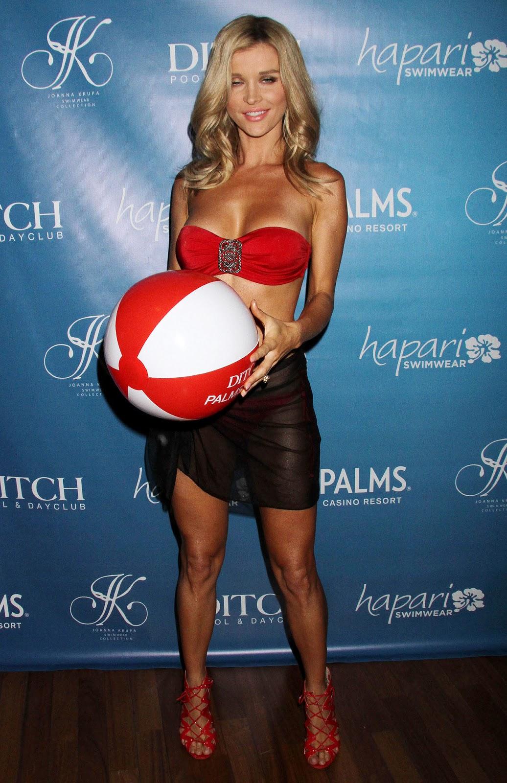 http://2.bp.blogspot.com/-wUMnOjSioFU/UbRuVx1LSaI/AAAAAAAAgK0/GdIylBbvX6Y/s1600/Joanna+Krupa+-+Bikini+Line+Launch+in+Las+Vegas+-+June+8,+2013+-03.JPG