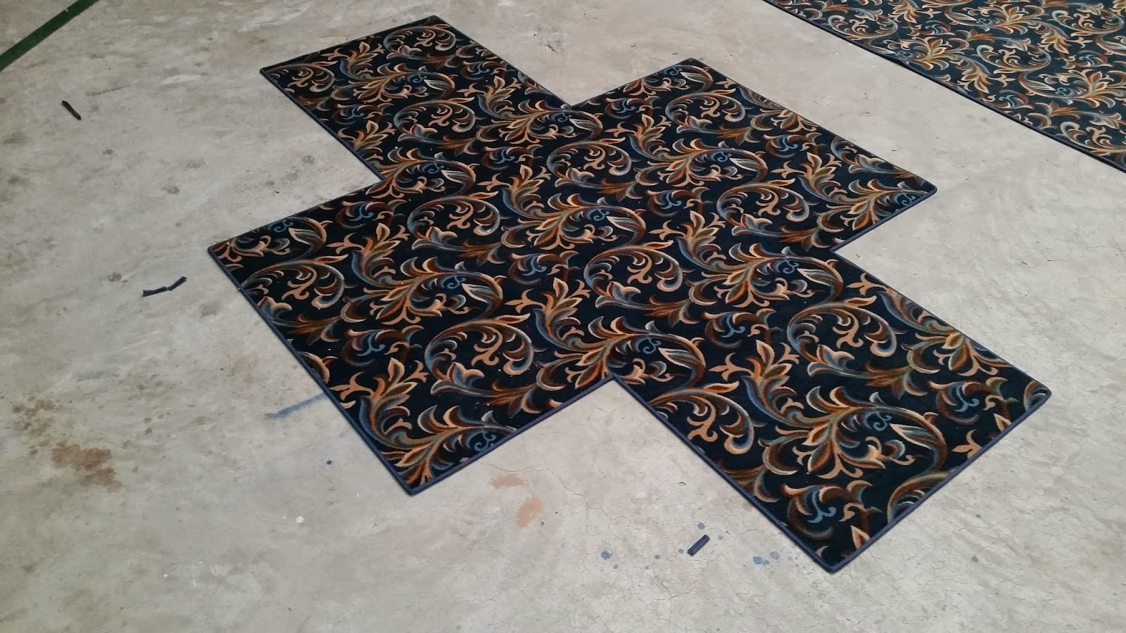 From a floor mans perspective easy custom size area rugs for Custom made area rugs