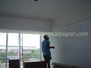 Cara Pasang Wallpaper Dinding Murah