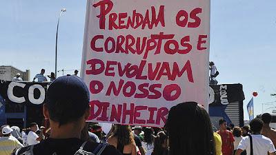 Protestos pelo Julgamento do Mensalão - Um Asno