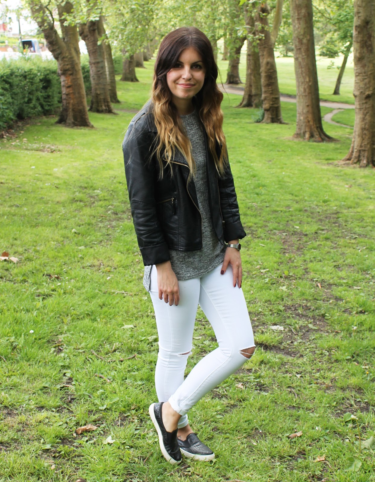 Sweet Monday, Sweet Monday blog, UK fashion blog, House of Fraser, Quiz clothing white rip knee jeans