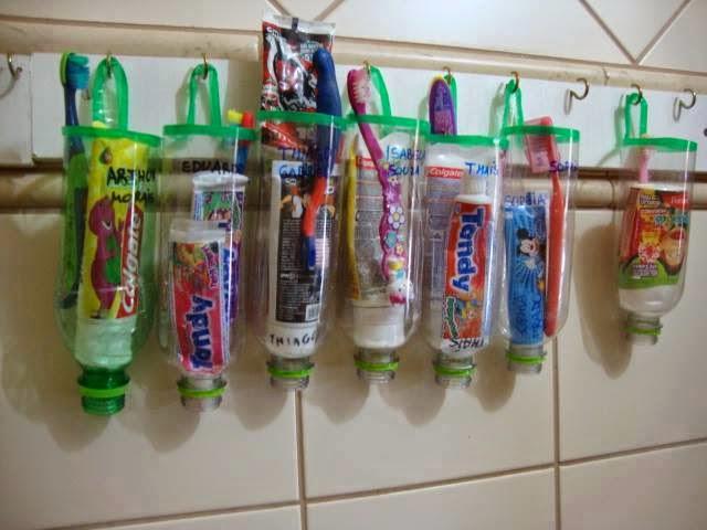 Suporte para creme e escova dental feitos com garrafa pet.