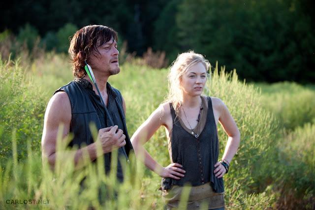 Daryl Dixon (Norman Reedus) y Beth Greene (Emily Kinney) en The Walking Dead 4x10 Inmates