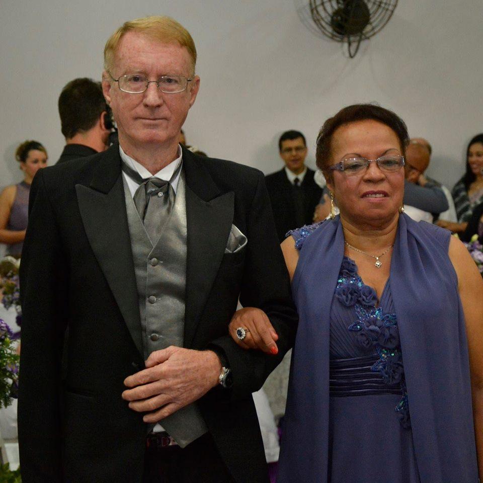 Anfitriões da Célula André e Farail