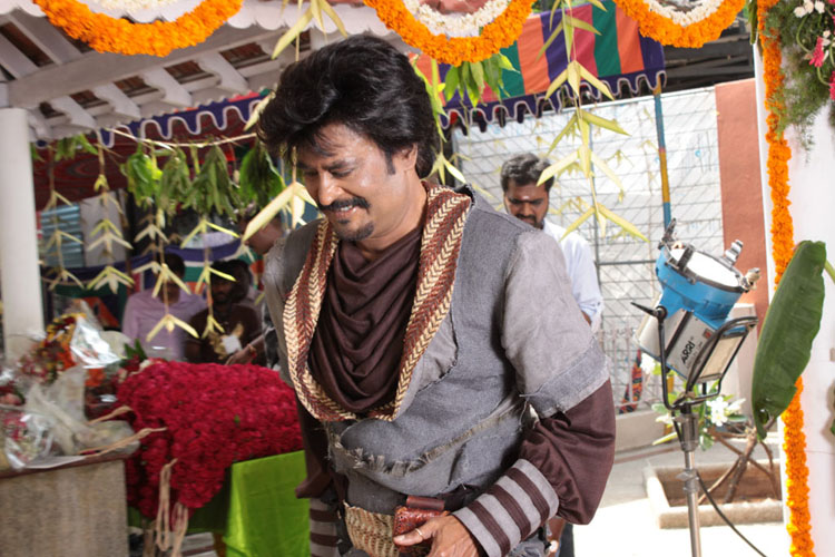 indian-desi-actor-rajnikant-movie-celebrity-filmstar-rajni-health-hospital-icu-chennai