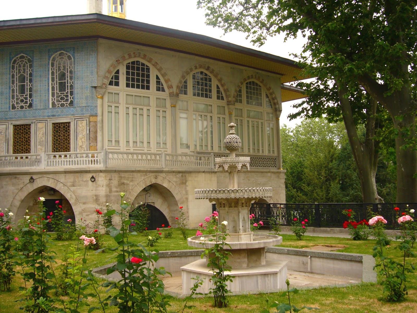 Di qua e di la topkapi palace istanbul - Il divano di istanbul ...