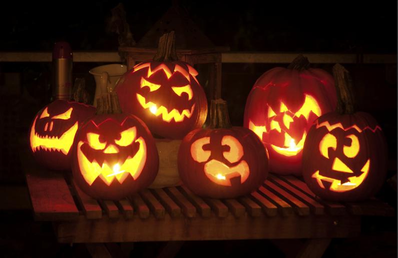 http://www.santillana.es/recursos/Halloween/halloween14_cast.pdf