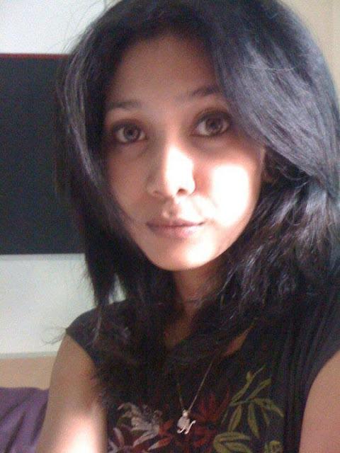 Anindya, Liat Doi Berjilbab Bikin Hati Adem
