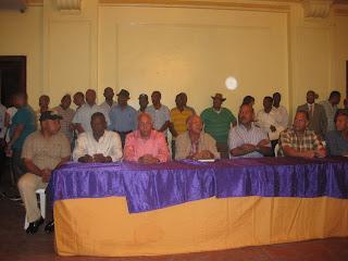 Gobernador Montás ofrece respaldo al licenciado Danilo Medina
