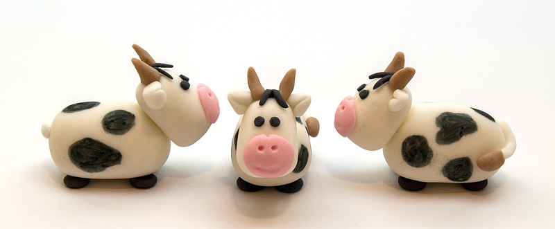 Cow fondant figurines front