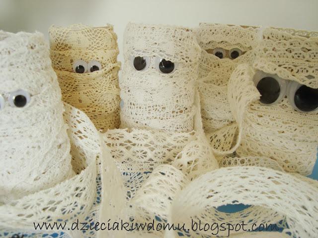 mumie z rolki papieru