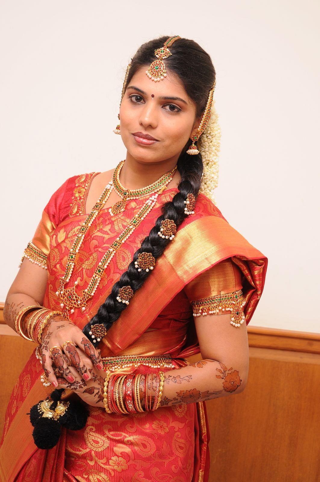 Tamilnadu Bridal Hairstyle : Traditional bridal hair style by tamil nadu culture long