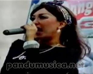 Sakitnya Tuh Disini – Elsa Safira – OM Nirwana Live Gresik Dangdut GT JTV 2014