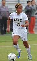 Paloma Pérez se destaca en academia naval de EEUU