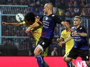 Arema vs Gresik United 4-1