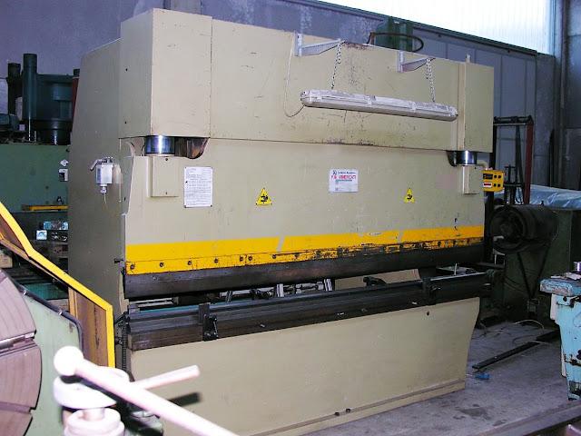 Presse piegatrici e cesoie usate pressa piegatrice for Pressa idraulica manuale usata