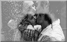 O amor que é livre e feliz no pensamento, na alma sem dor e sofrimento,é um amor que sorri por amor