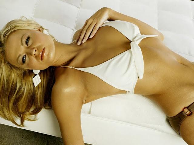 Irina Voronina sexy in lingerie