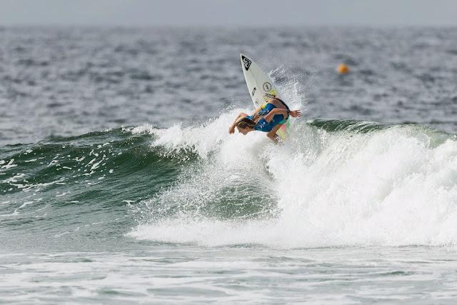 48 Roxy Pro Gold Coast 2015 Bronte Macaulay Foto WSL Kelly Cestari