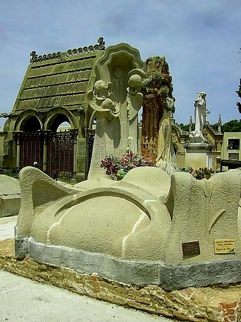 cementerio modernista exponente de la de los grandes escultores