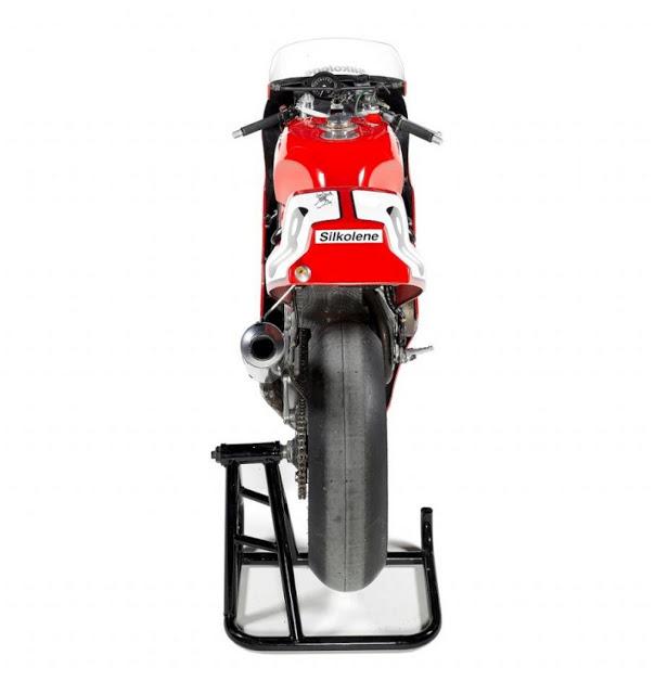 Honda RC 30 - Page 4 Hon4