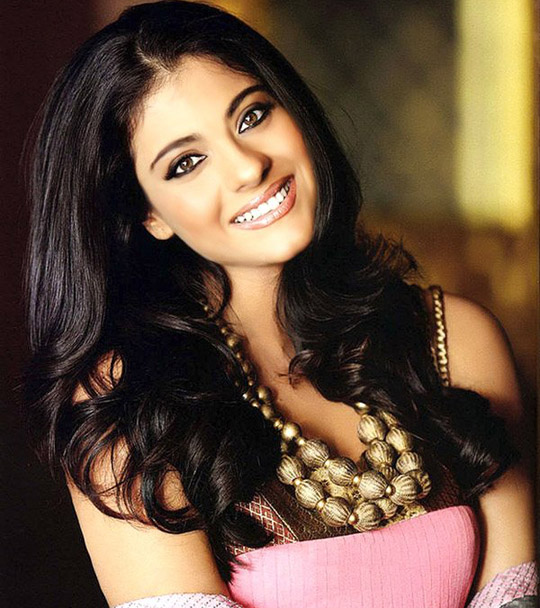 kajol wallpapers. Wednesday, 13 April 2011
