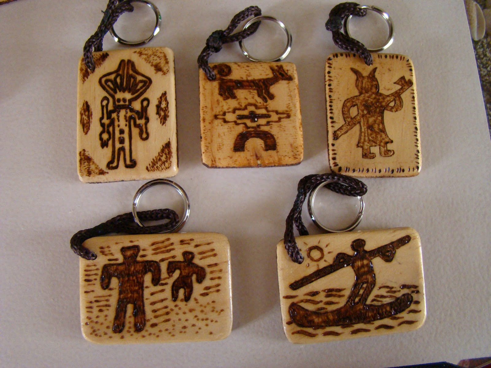 Arte grim artesan as en madera con dise os locales Artesanias en madera