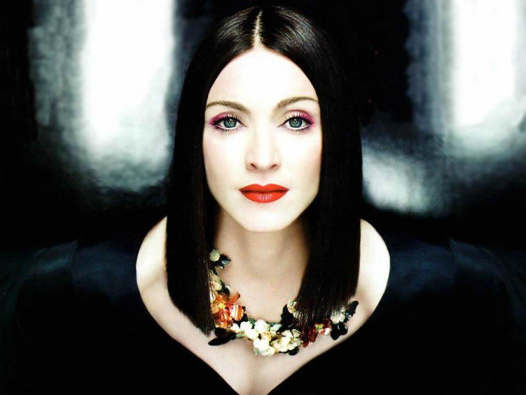 http://2.bp.blogspot.com/-wXWB_TsB4_c/To6cT7npUfI/AAAAAAAAACs/5-86qnG10gw/s1600/Madonna.jpg