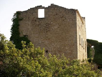 Façana del sud-oest del Castell de la Popa