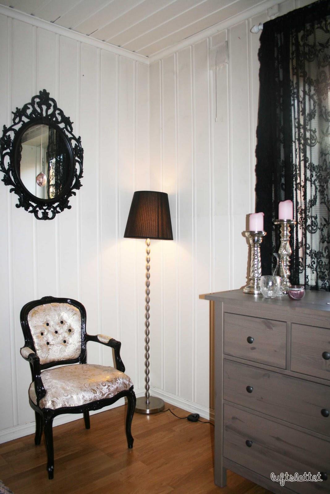Luftslottet: Mørk romantikk på soverommet.