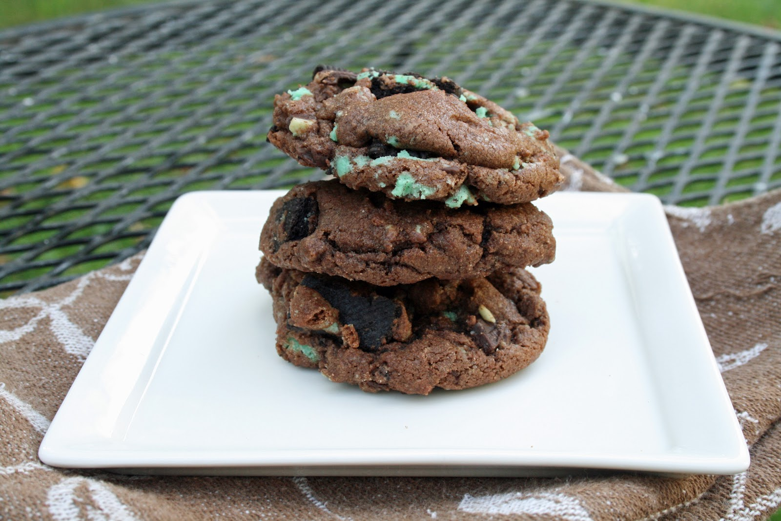 Love Your Mother: Chocolate Mint Oreo Cookies