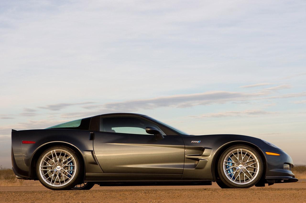 http://2.bp.blogspot.com/-wYIHPF9olP0/UKI5O2yeaTI/AAAAAAAAG18/eHT7a7_nR9o/s1600/2011-Chevrolet-Corvette-ZR1-side-wallpaper.jpg