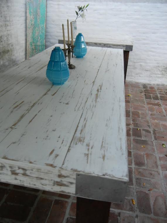 mesa en pino oregon y patas de quebracho