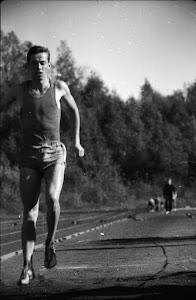 Askelmerkkejä sovittamassa, Virtain Yhteiskoulu, syyskuu 1963. Valok. Erkki Kellomäki