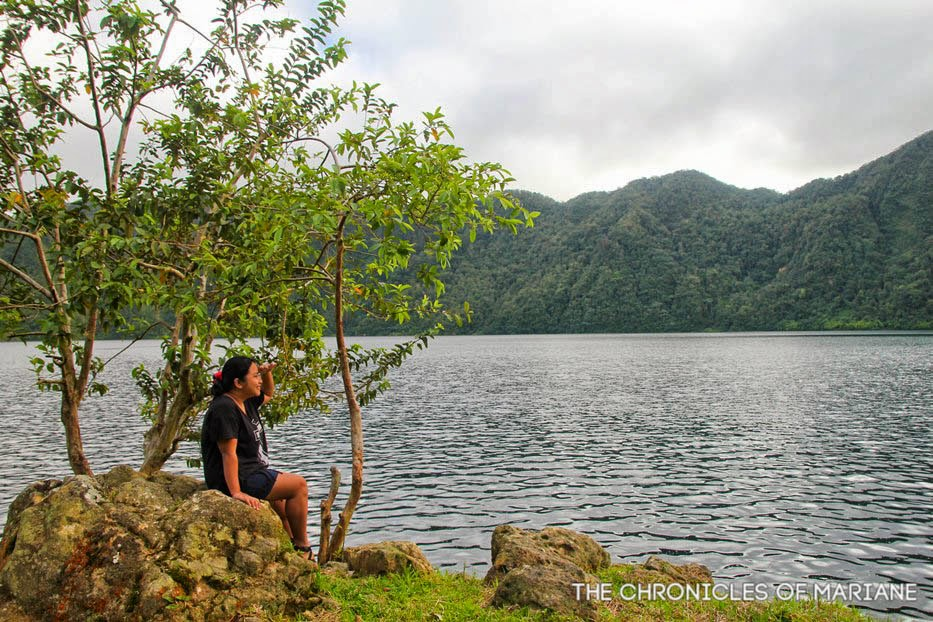 travel lake holon
