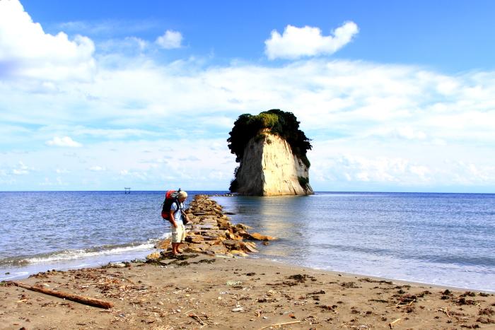 能登半島(石川県)のシンボル見附島. Mitsukejima island is one of symbols of Noto. it is located in suzu city on noto peninsula, ishikawa prefecture, japan