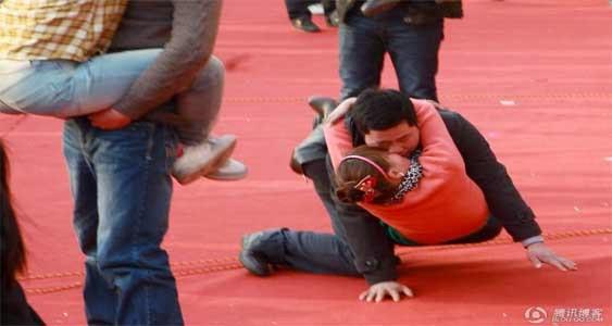 Lomba Ciuman Paling Edan Di China