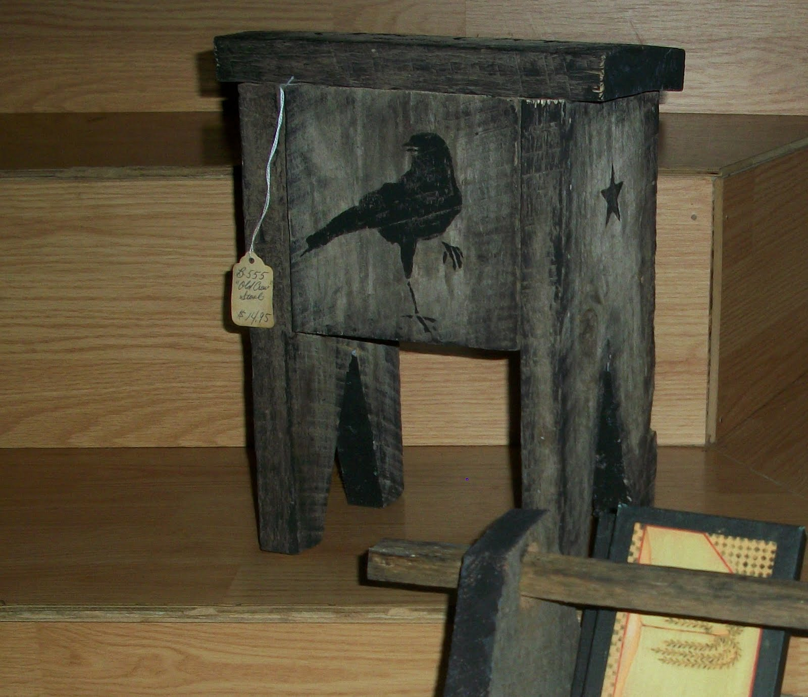 Booth 555 primitive barn wood stool with old crow for Making craft projects from old barn wood