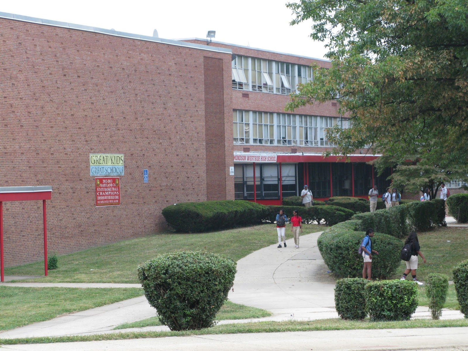 Cities in search of the 21st century school community architect baltimore city edmondson high school a place of community meetings many students walk here but the school is still somewhat isolated from the community malvernweather Images