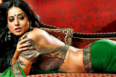 Mahie gill hot pics from  saheb biwi aur gangster returns