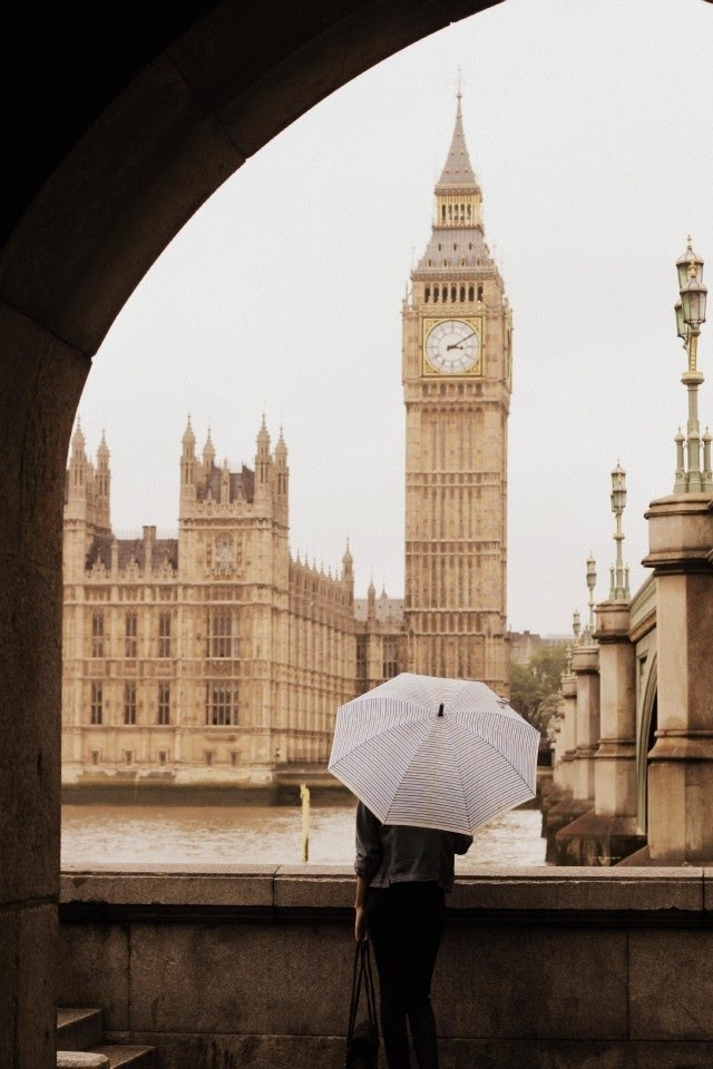 big ben london on a rainy day
