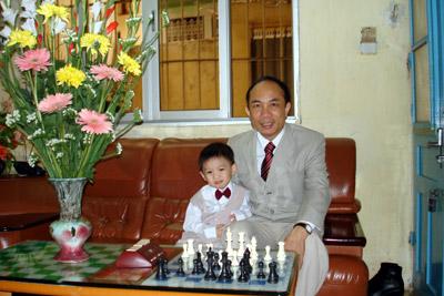 HLV Nguyễn Minh Thắng và con trai Nguyễn Huỳnh Minh Thiên