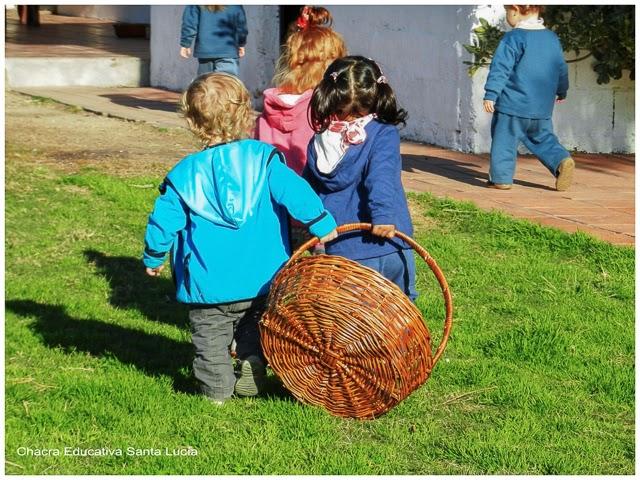 Rumbo a la huerta en busca de la cosecha - Chacra Educativa Santa Lucía