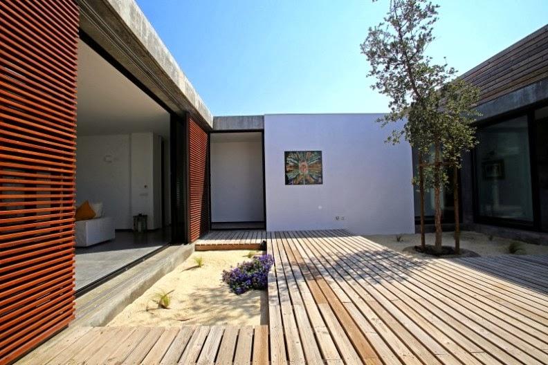 terraza con suelo de madera de pino