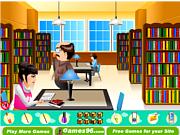 Giết thời gian ở thư viện, chơi game bạn gái online