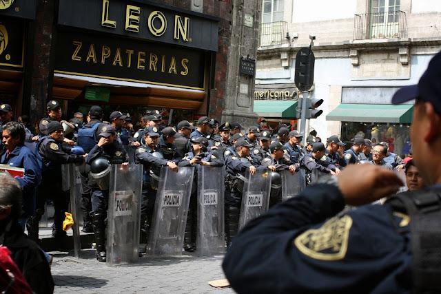 riot police mexico city